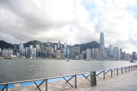 香港島を望む